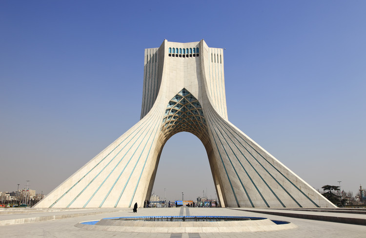 AD Classics: Azadi Tower / Hossein Amanat, © rickyd / Shutterstock.com