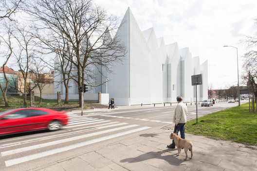2015 Prize Winner - Philharmonic Hall Szczecin / Barozzi / Veiga. Image © Laurian Ghinitoiu