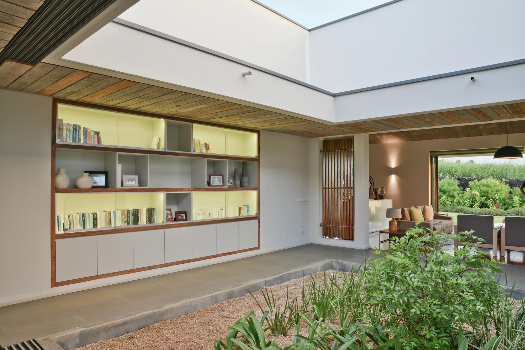 Casa patio rethink studio plataforma arquitectura for Casa lussuosa