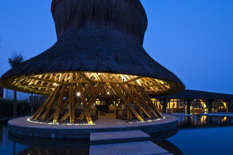 Restaurante e Bar Hay Hay / Vo Trong Nghia Architects, © Hiroyuki Oki