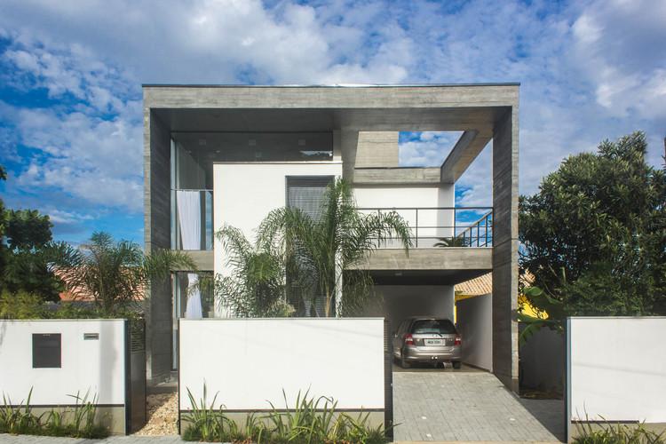 Casa E / PJV Arquitetura, © Larry Sestrem