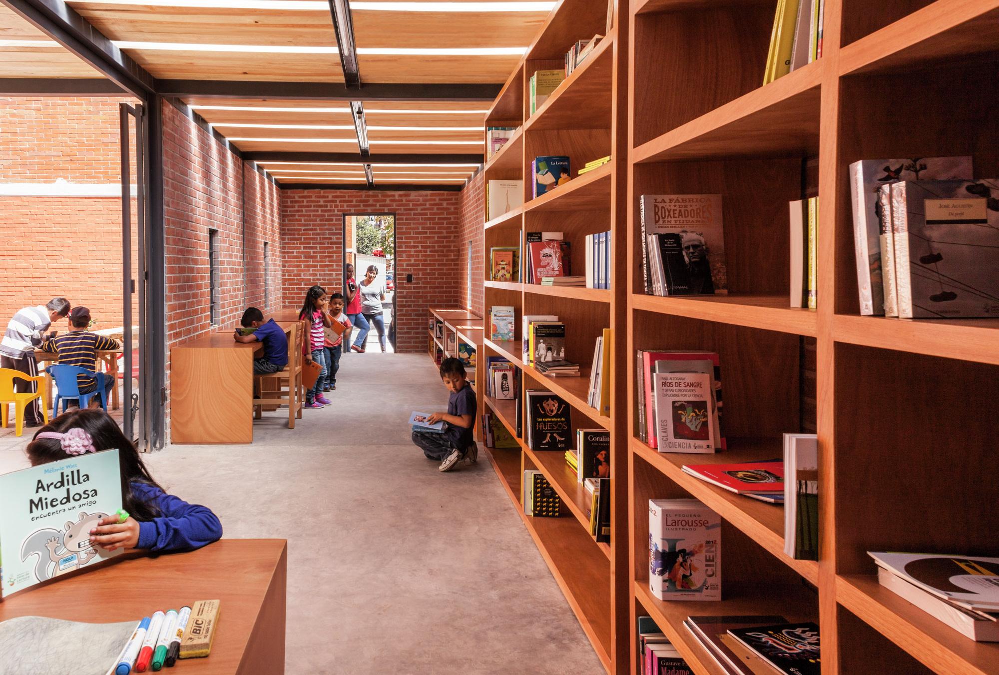 Galeria de construindo comum unidade rozana montiel for Estudio de arquitectura