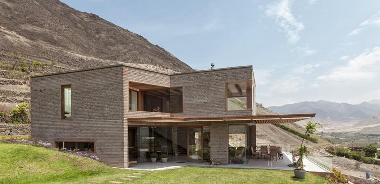 Casa en Azpitia / Estudio Rafael Freyre, © Edi Hirose