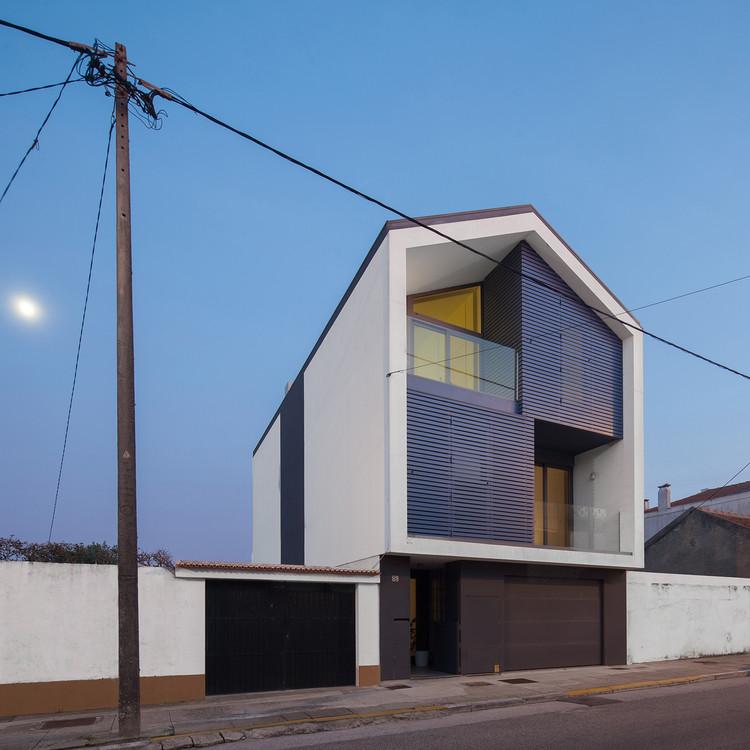 Casa en Bela Vista / RVdM Arquitectos, © José Campos