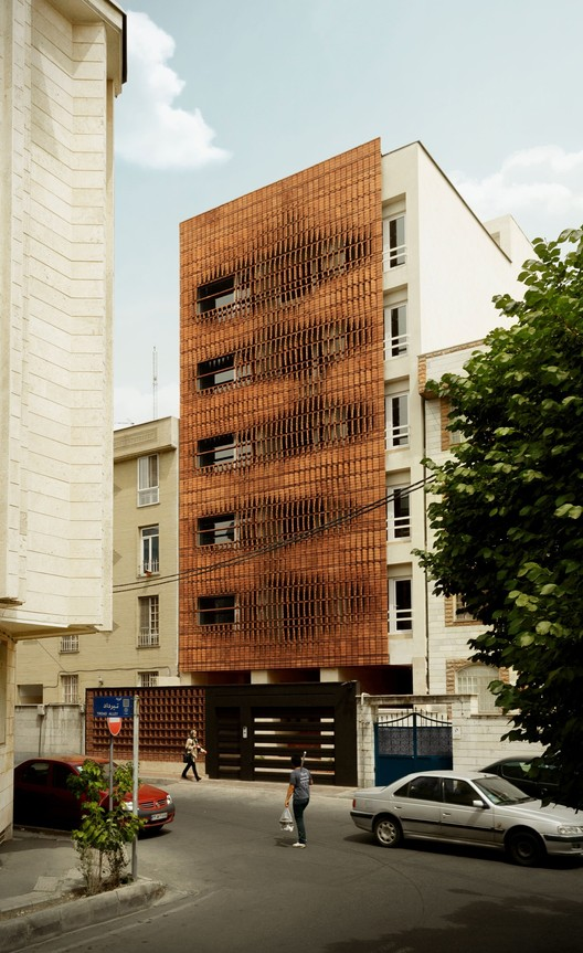 Cloaked in Bricks / Admun Design & Construction Studio, © Mostafa Karbasi