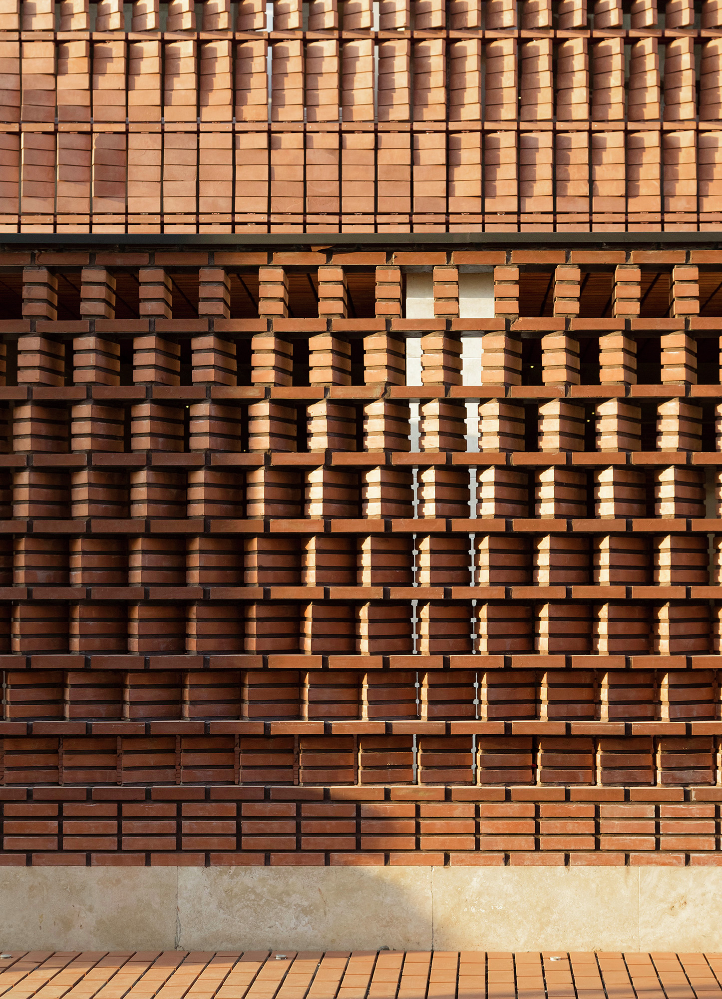 Gallery Of Cloaked In Bricks Admun Design Amp Construction