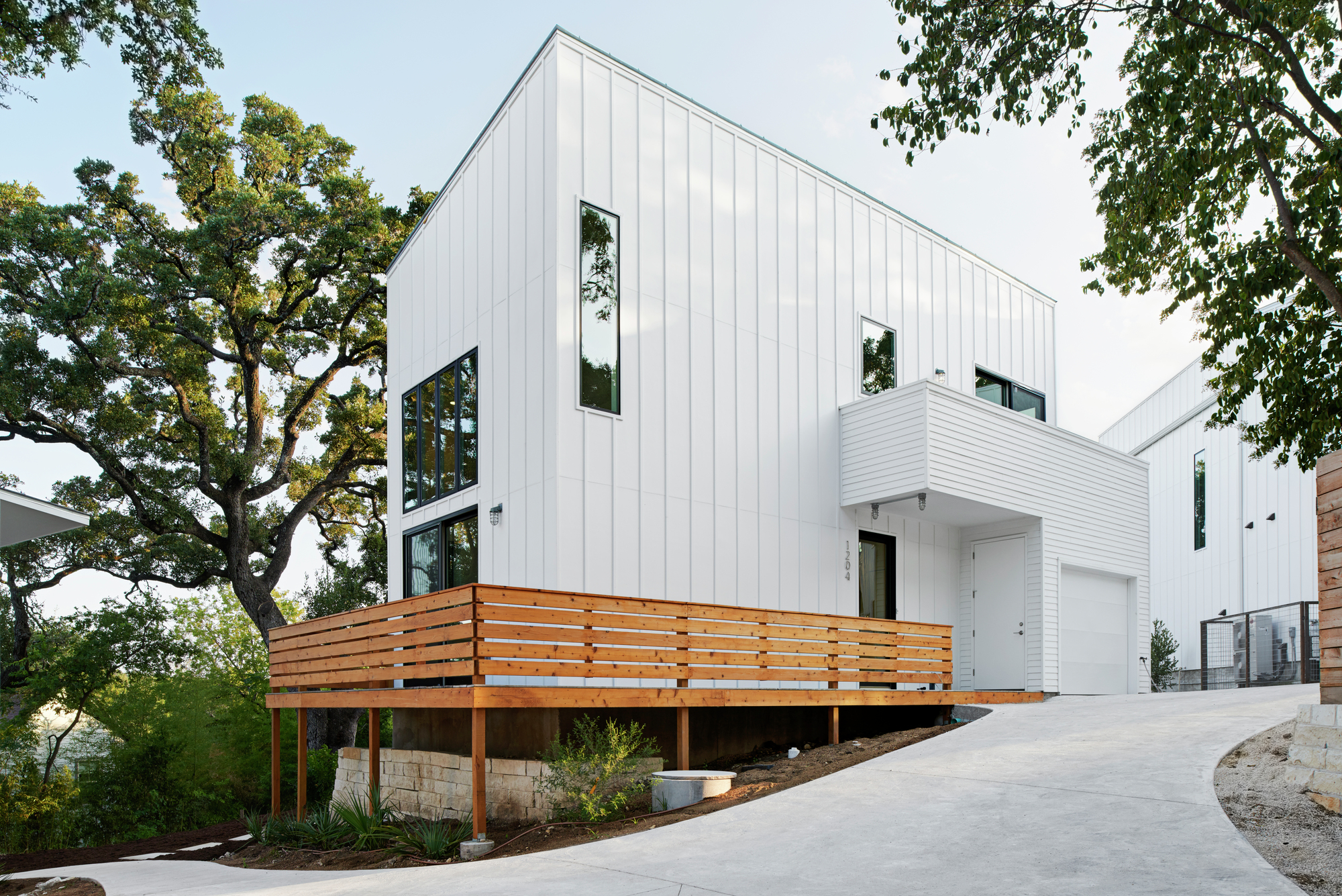 Gallery of woodland residences derrington building for Accessory dwelling unit austin