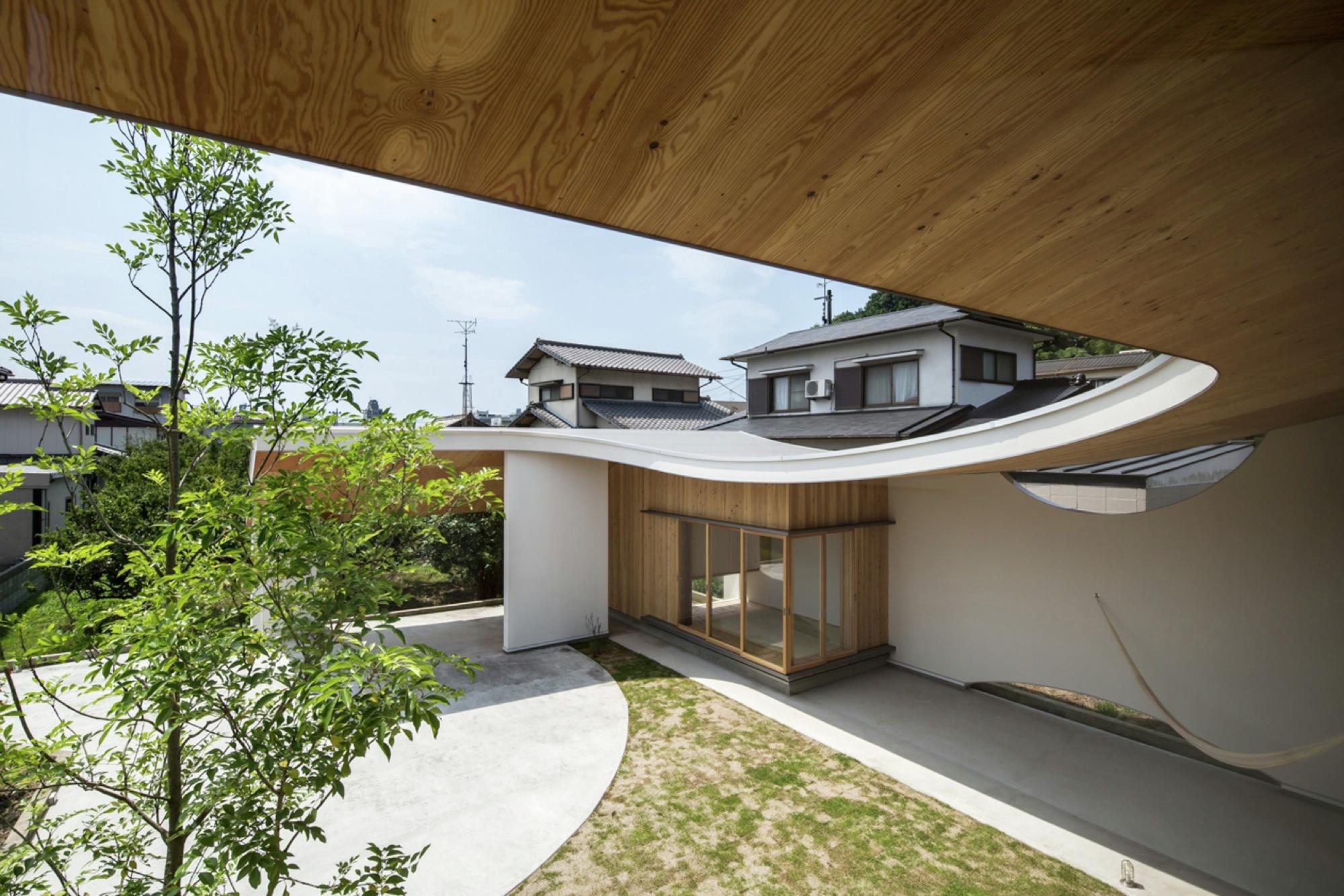 Shawl House / y+M