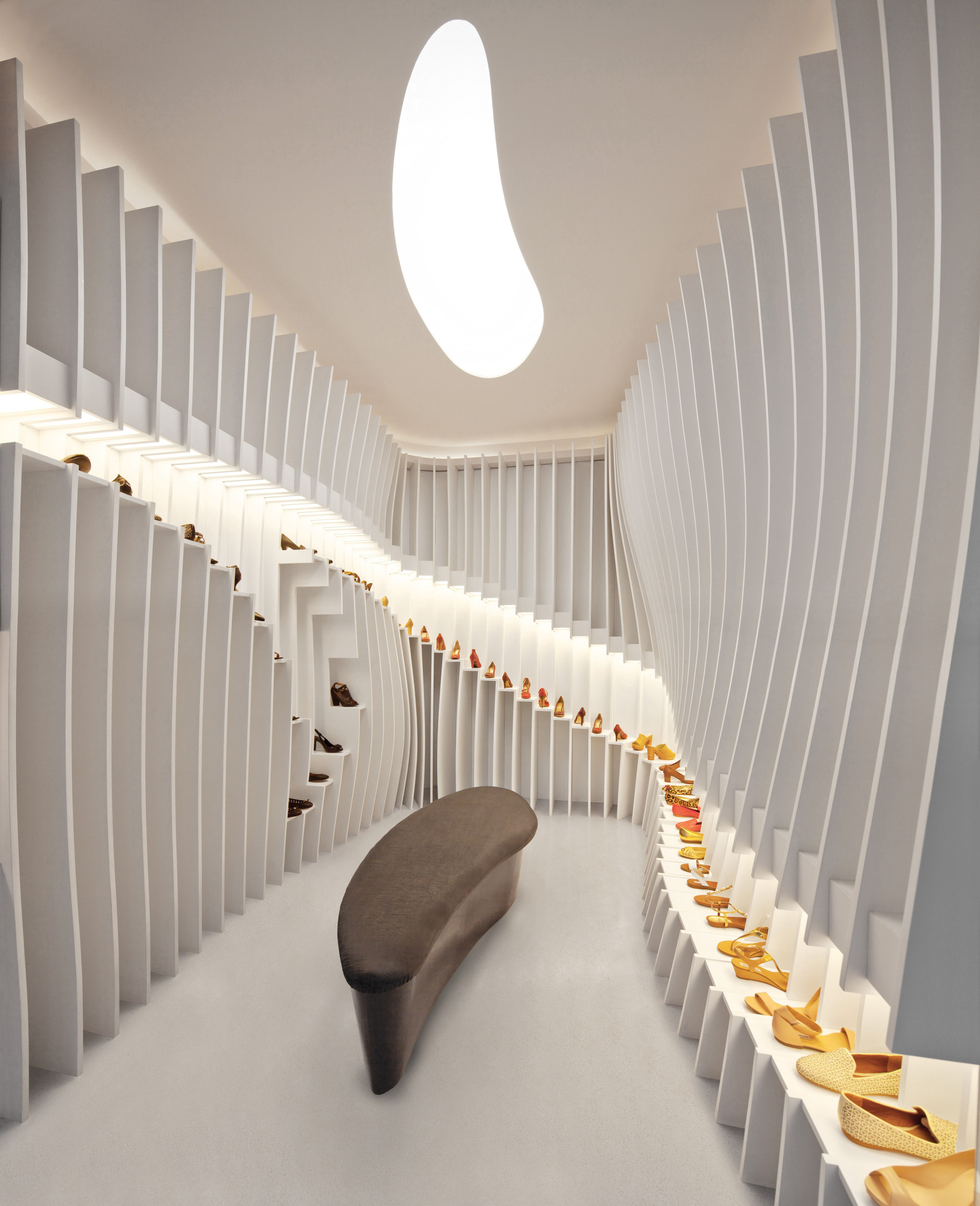 Interior Decorating Stores: 'Importance Of Walking' Store / PRAXiS D'ARCHITECTURE
