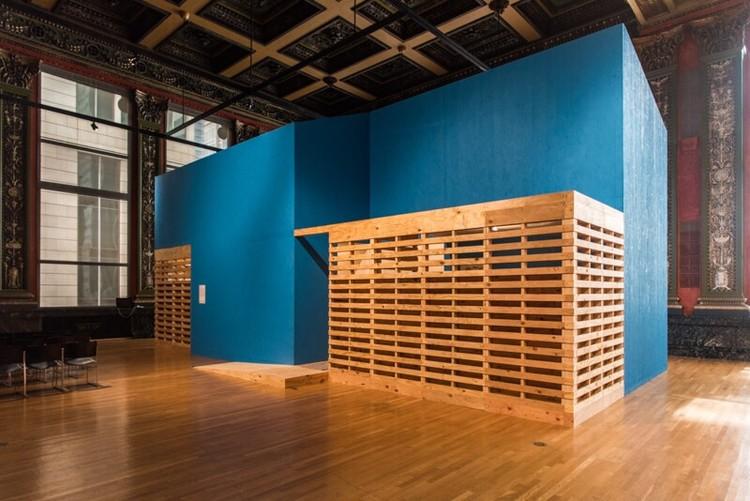Proposta de Tatiana Bilbao na Bienal de Arquitetura de Chicago responde ao problema de habitação social no México , © Alejandro Spamer
