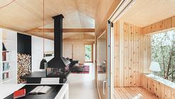 Casa estudio de madera  / Dom Arquitectura