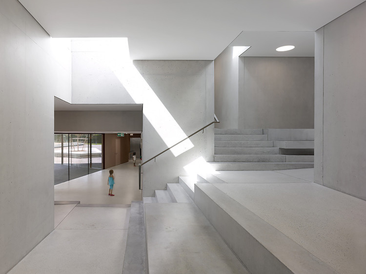 Kindergarten and Crèche  / Pierre-Alain Dupraz, © Thomas Jantscher