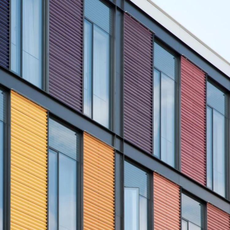 Conheça as vantagens das fachadas ventiladas, via Hunter Douglas Brasil®