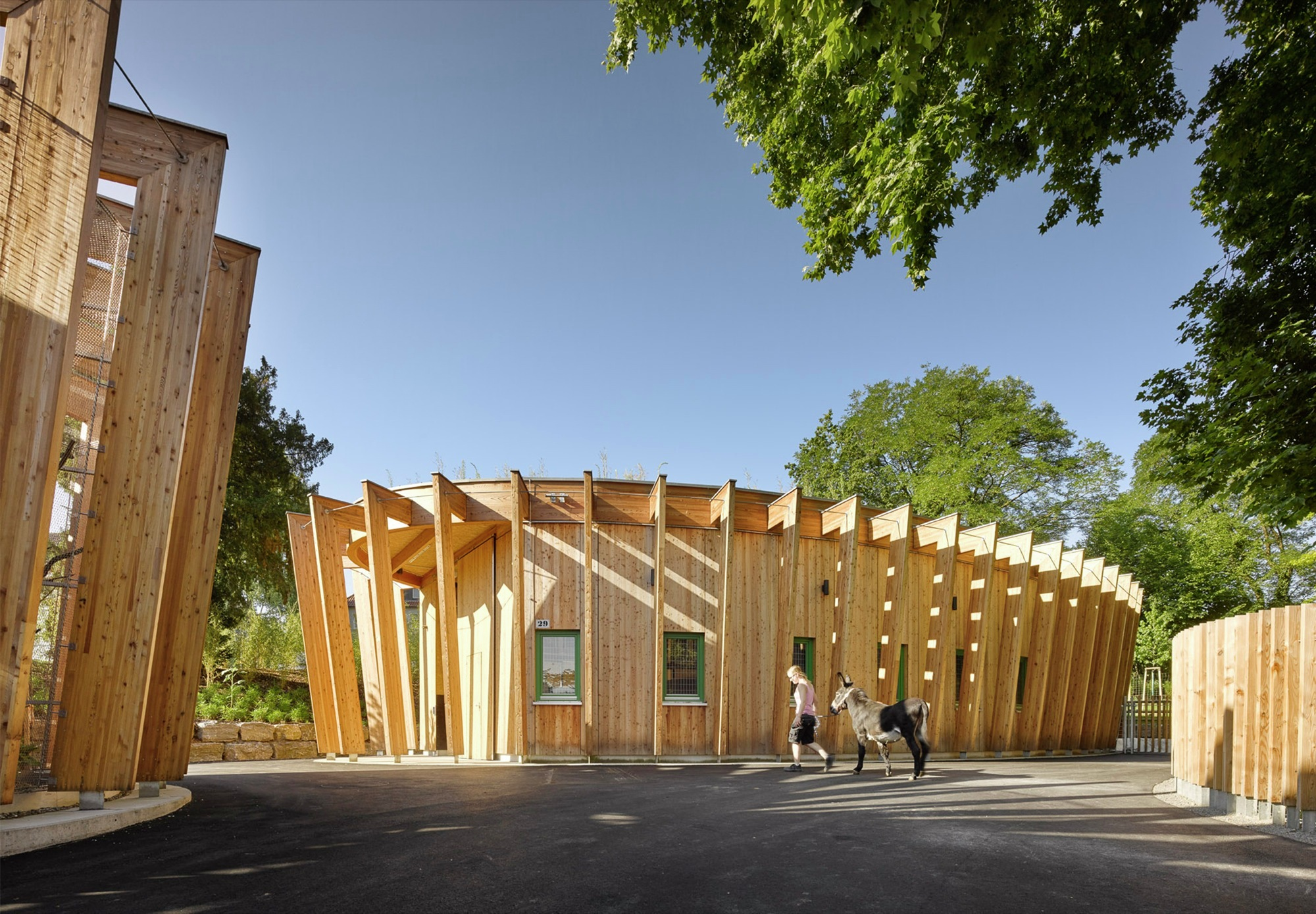 214 Hringen Petting Zoo Kresings Architektur Archdaily