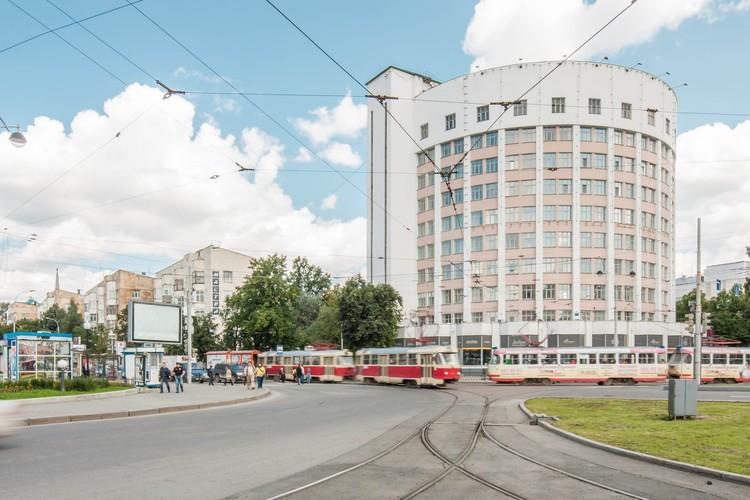 Arquitetura construtivista de Yekaterinburg fotografada por Denis Esakov, © Denis Esakov