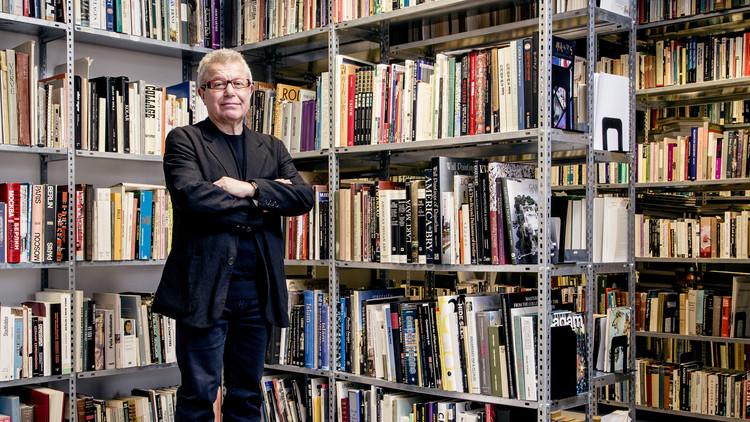 "Daniel Libeskind Discusses ""Building Memory"", Daniel Libeskind (2015). Image © Stefan Ruiz"