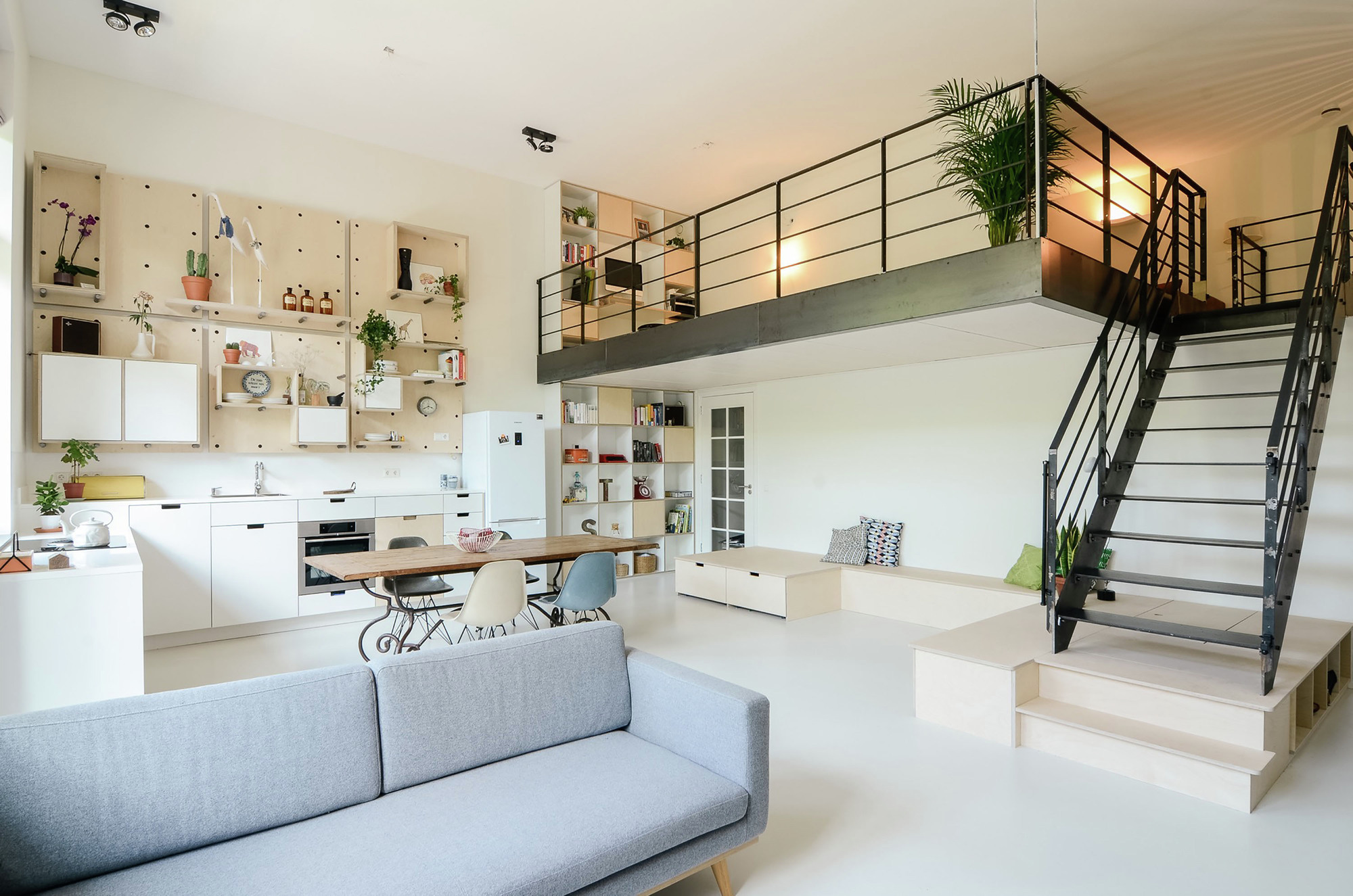 Mini Spa Da Casa apartment conversion / standard studio + casa architecten