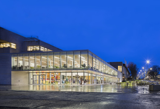 UBC Bookstore  / Office Of Mcfarlane Biggar Architects + Designers Inc.