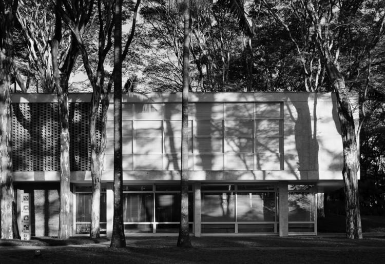 Clássicos da Arquitetura: Residência Oscar Americano / Oswaldo Bratke, © Nelson Kon