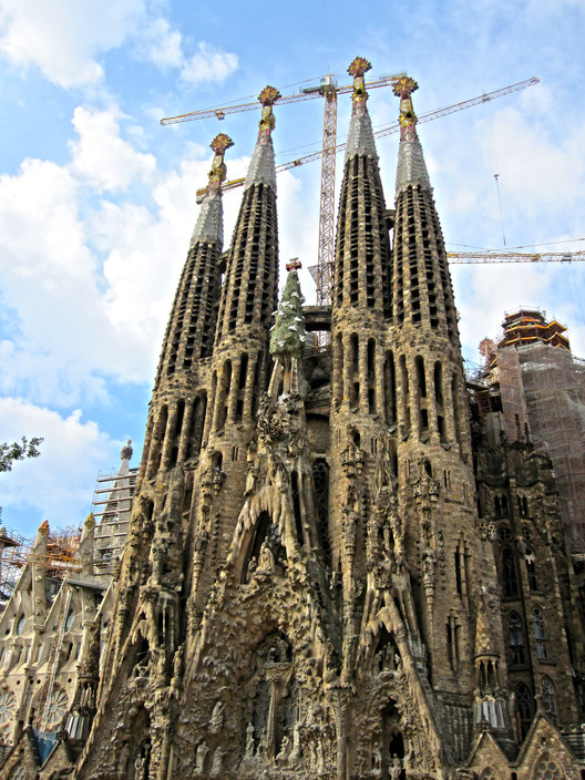 Gaudí's Sagrada Família to Become Tallest Church in Europe by 2026, Templo Expiatorio of the Sagrada Família. Image © Flickr User: Jose Gonzalvo Vivas, bajo CC BY 2.0