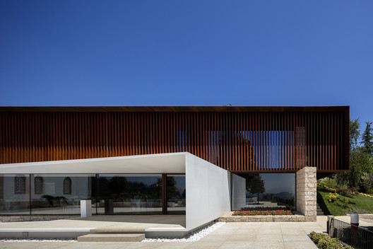 Igreja Velha Palace / Visioarq Arquitectos