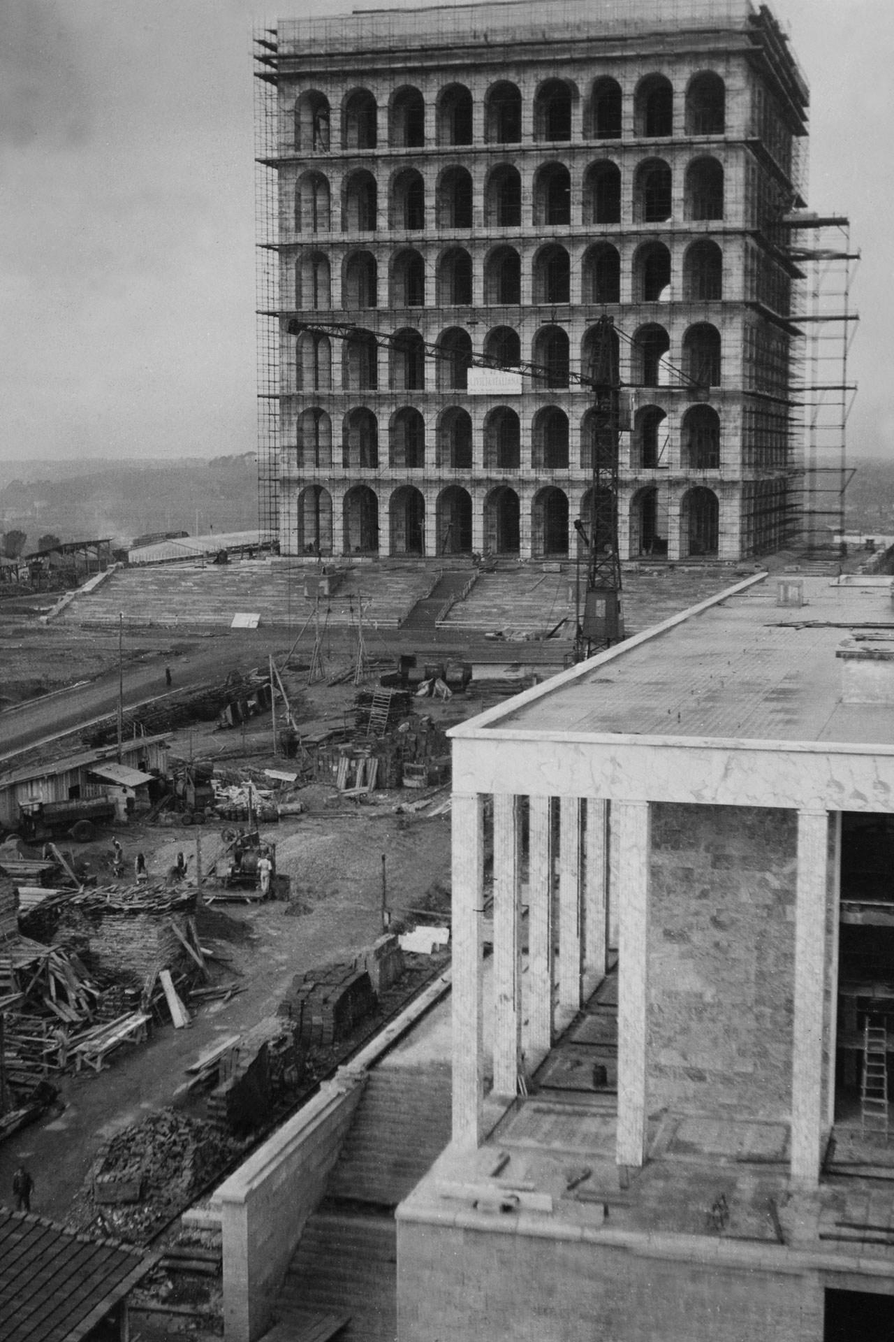 Galeria de palazzo della civilt italiana em roma for Palazzo della civilta italiana fendi
