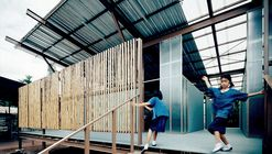 Escuela Baan Nong Bua / Junsekino Architect And Design