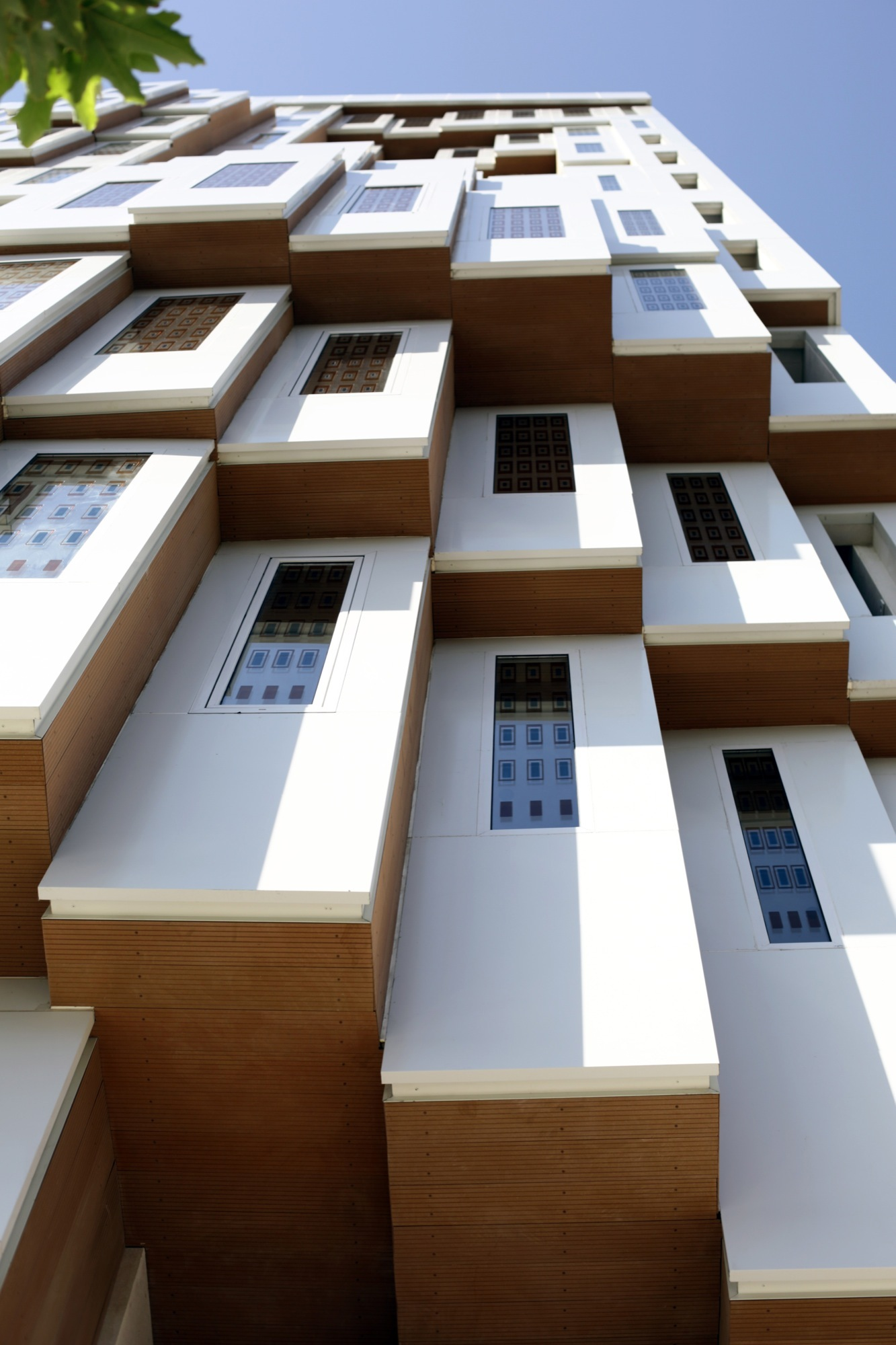 Gallery of valiahdi office and commercial building hooba for Design your own commercial building