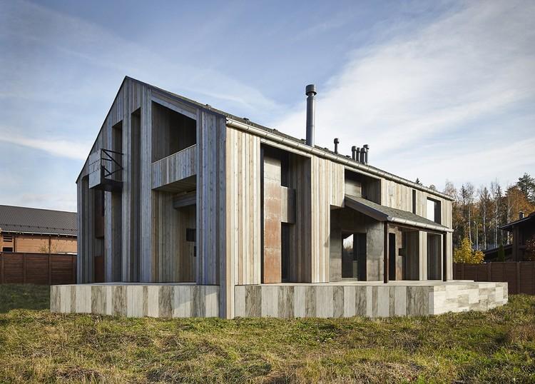 House in Duhanino / Alexey Rozenberg, © Konstantin Dubovets