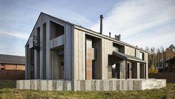 Casa en Duhanino / Alexey Rozenberg
