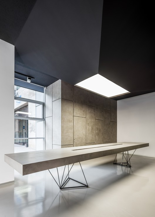 Schuco showroom m nadelucru plataforma arquitectura for Award winning office interiors