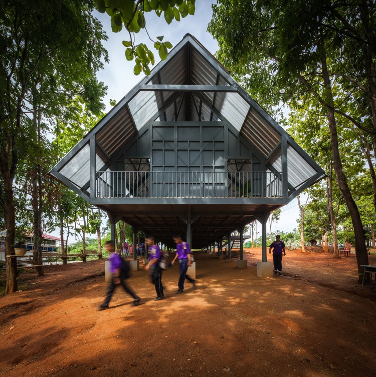 Bann Huay San Yaw- Post Disaster School  / Vin Varavarn Architects, © Spaceshift Studio