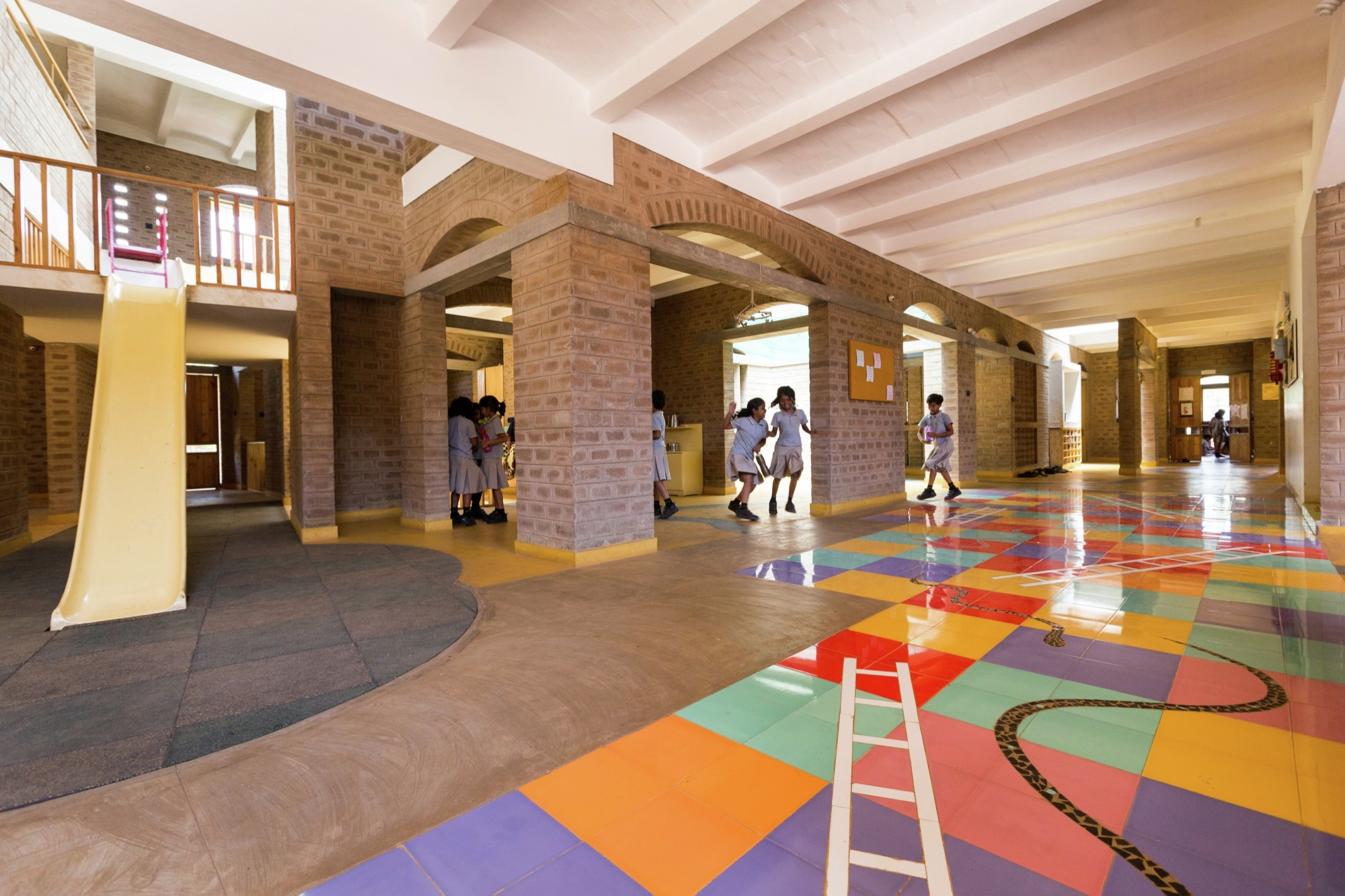 Yellow Train School / Biome Environmental Solutions | ArchDaily