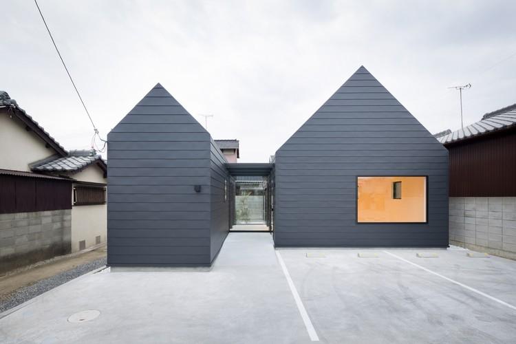 Sanjo Hokusei Community Center / Yasunari Tsukada design, © Takumi Ota