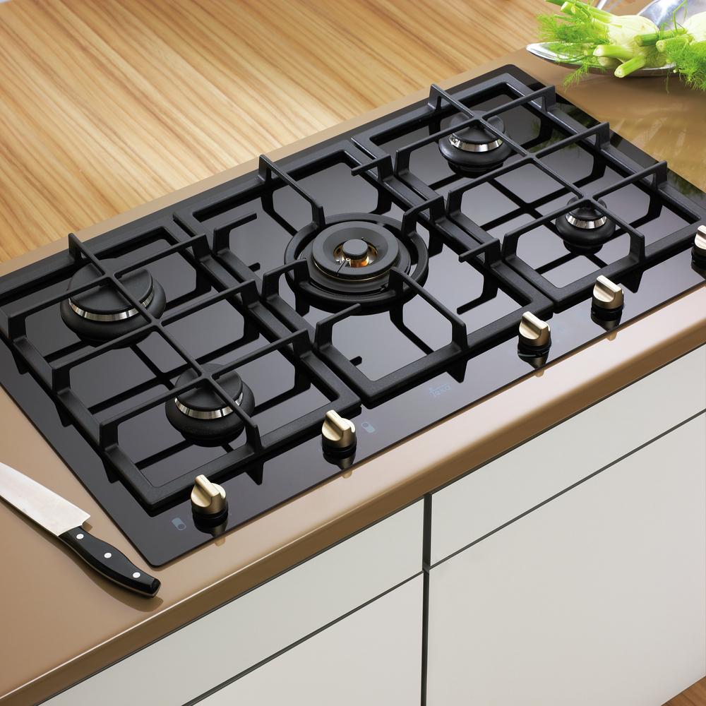 Materiales: Cocinas Encimeras,Cocina Encimera Cristal / Gas. Image Cortesía  De Teka