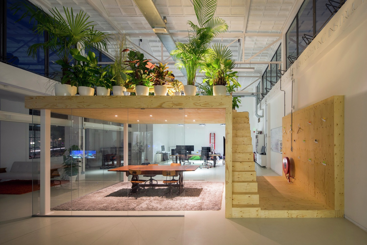 Gallery of Loft Office / jvantspijker - 4