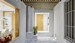 Núcleo central esculpido  / Sergi Pons architects