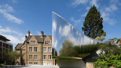 Zaha Hadid's Investcorp Building Honored with Oxford Preservation Trust Award