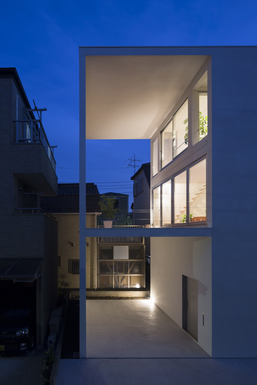 Little House with a Big Terrace / Takuro Yamamoto   ArchDaily