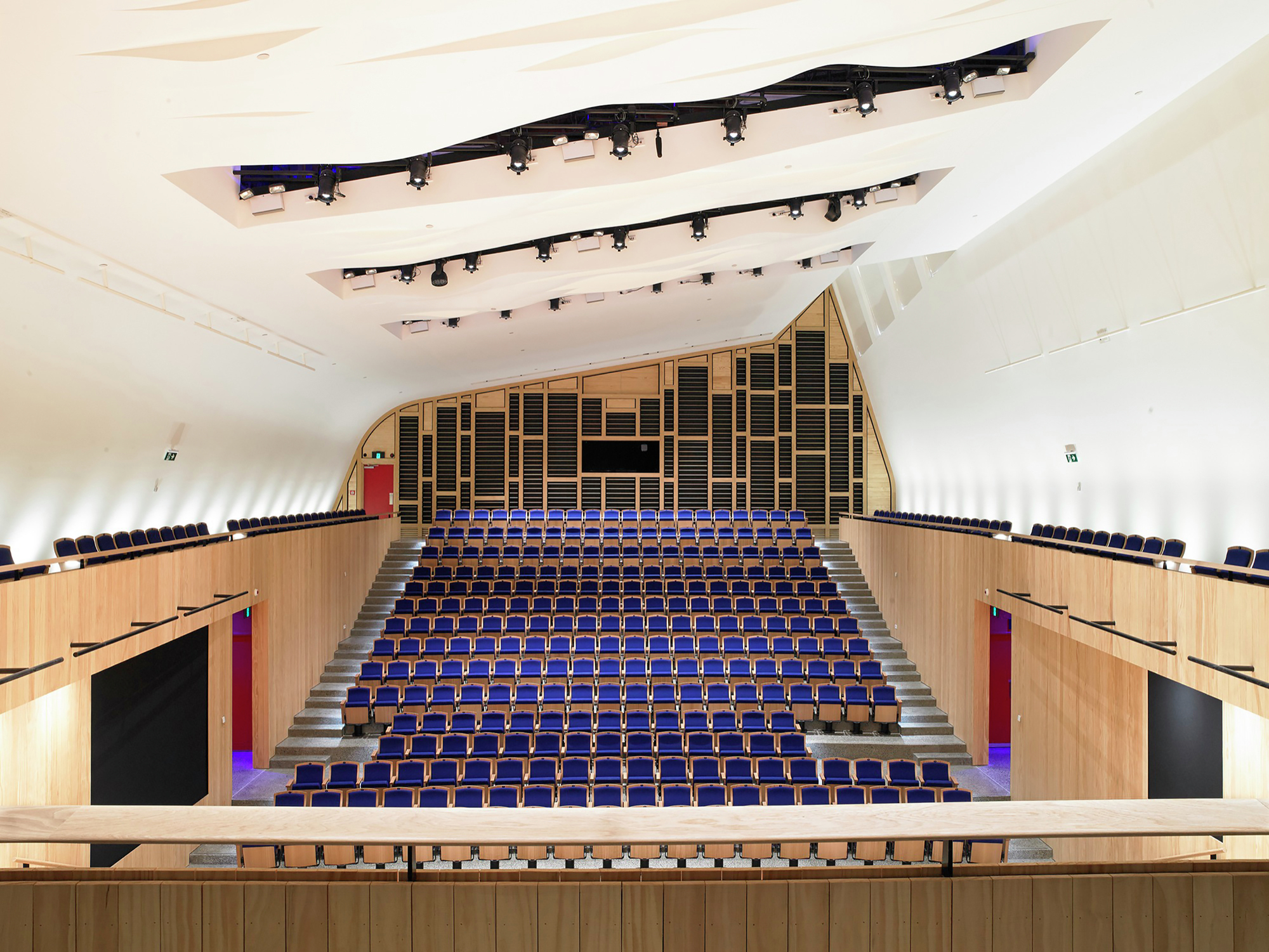 The Blyth Performing Arts Centre / Stevens Lawson Architects