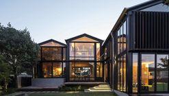 Boatsheds / Strachan Group Architects + Rachael Rush