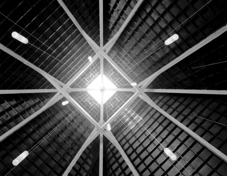 Matter, Light, and Form: Architectural Photographs of Wayne Thom, 1968-2003