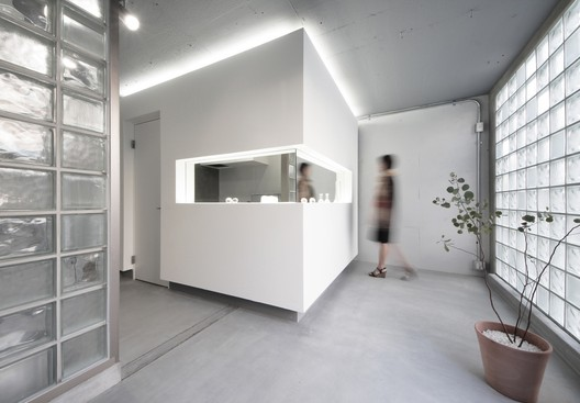 Glass Art Gallery & Residence / Jun Murata