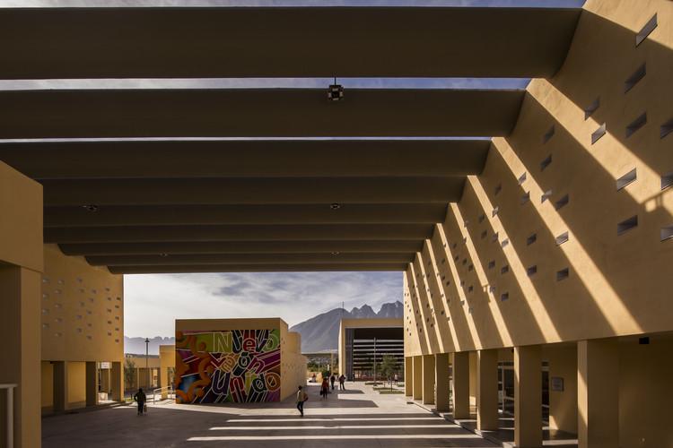 Community Center San Bernabé / Pich-Aguilera Arquitectos, © Jorge Taboada
