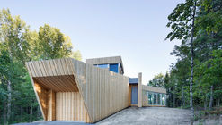 Casa en Lac Grenier / Paul Bernier