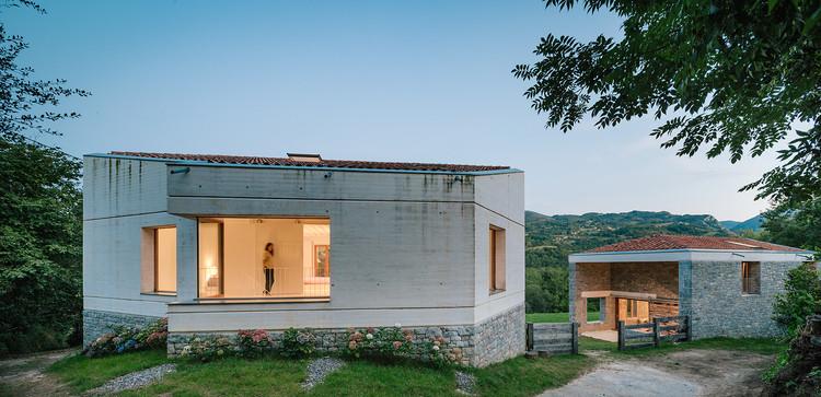 TMOLO House / PYO arquitectos, © Miguel de Guzmán