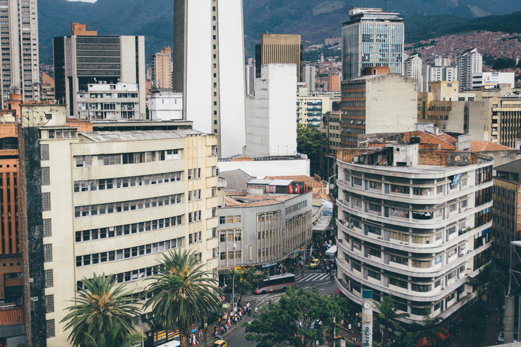 Clásicos de Arquitectura: Edificio La Naviera / Viera, Vázquez, Dotheé Arquitectos, vía flickr user_ mde inteligente