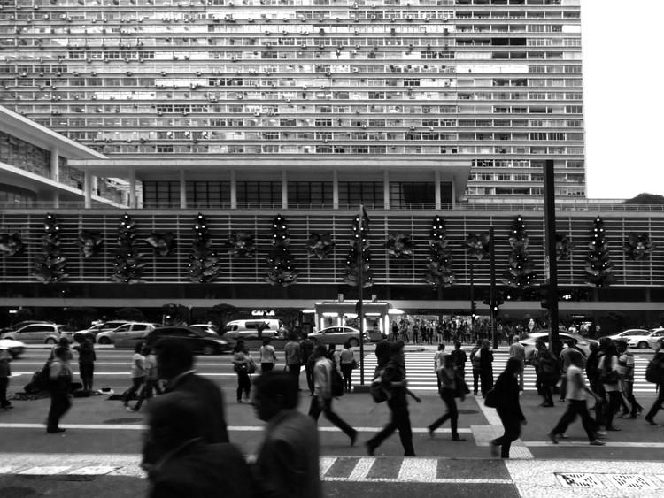 Clássicos da Arquitetura: Conjunto Nacional / David Libeskind, © catonahotgreenroof