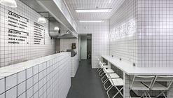 Orang+Utan Vegetarian Bar / AKZ Architectura + Yulia Savlepova