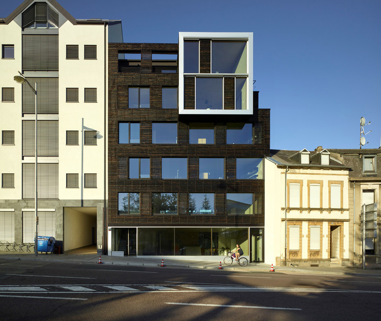 Burnt Wood Office / STEINMETZDEMEYER, Courtesy of STEINMETZDEMEYER